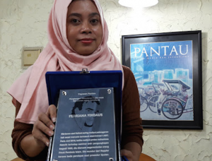 Febriana-Firdaus-wins-Pogau-award-680wide